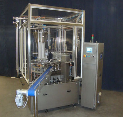 Fillong- and packaging machine